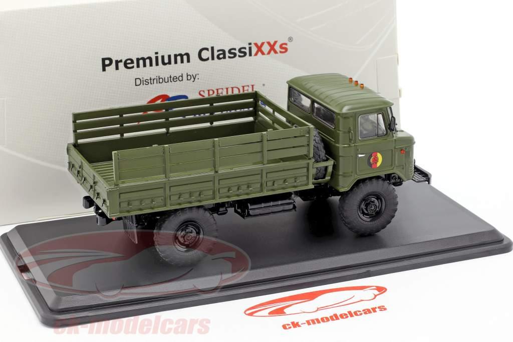 GAZ 66 platform truck NVA militair voertuig donker olijf 1:43 Premium ClassiXXs