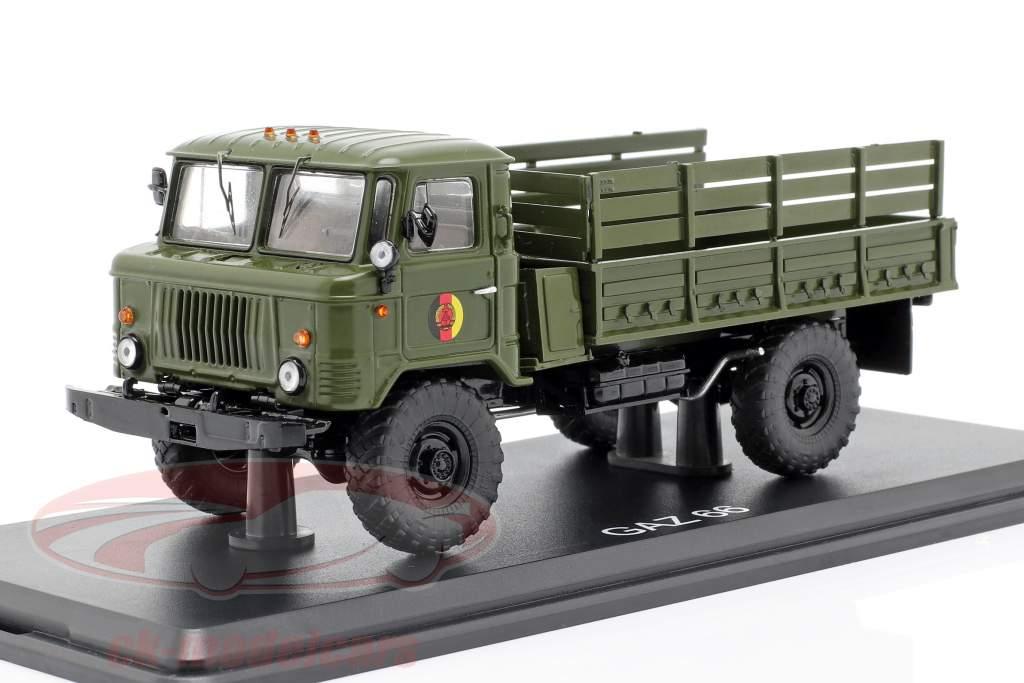 GAZ 66 plataforma caminhão NVA veículo militar escuro oliva 1:43 Premium ClassiXXs
