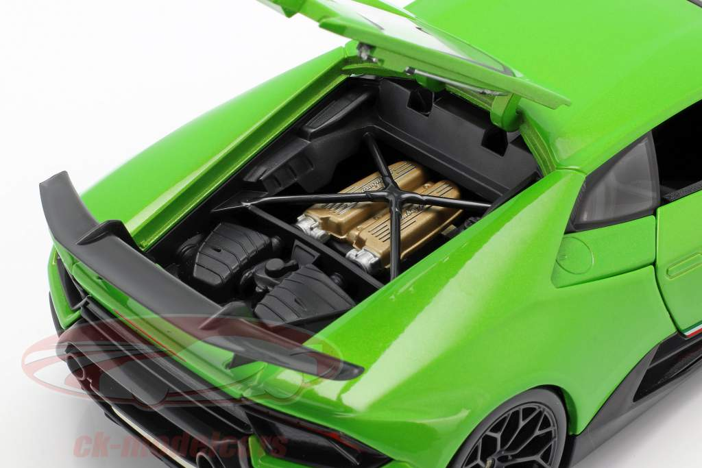 Lamborghini Huracan Performante Bouwjaar 2017 groen metalen 1:18 Maisto