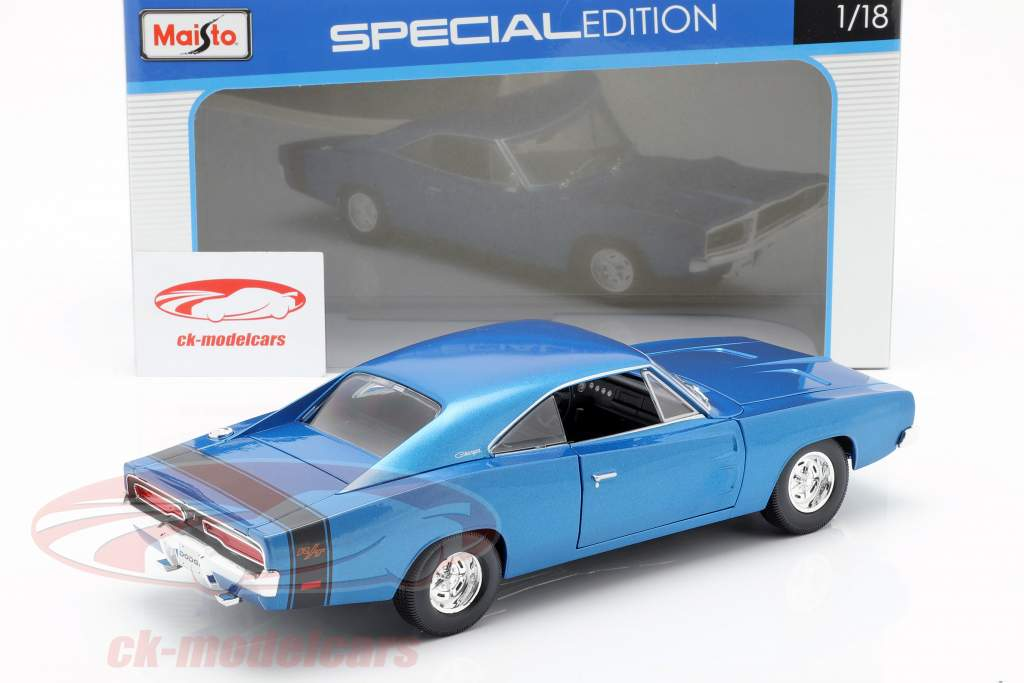 Dodge Charger R/T year 1969 blue metallic 1:18 Maisto