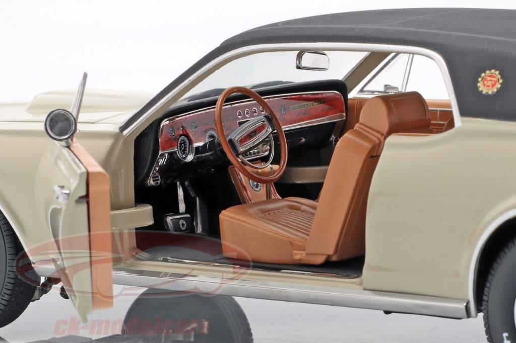 Mercury Cougar XR7G Baujahr 1968 beige / schwarz 1:18 SunStar