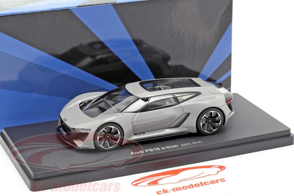 Audi PB18 e-tron año 2018 estera plata gris 1:43 AutoCult