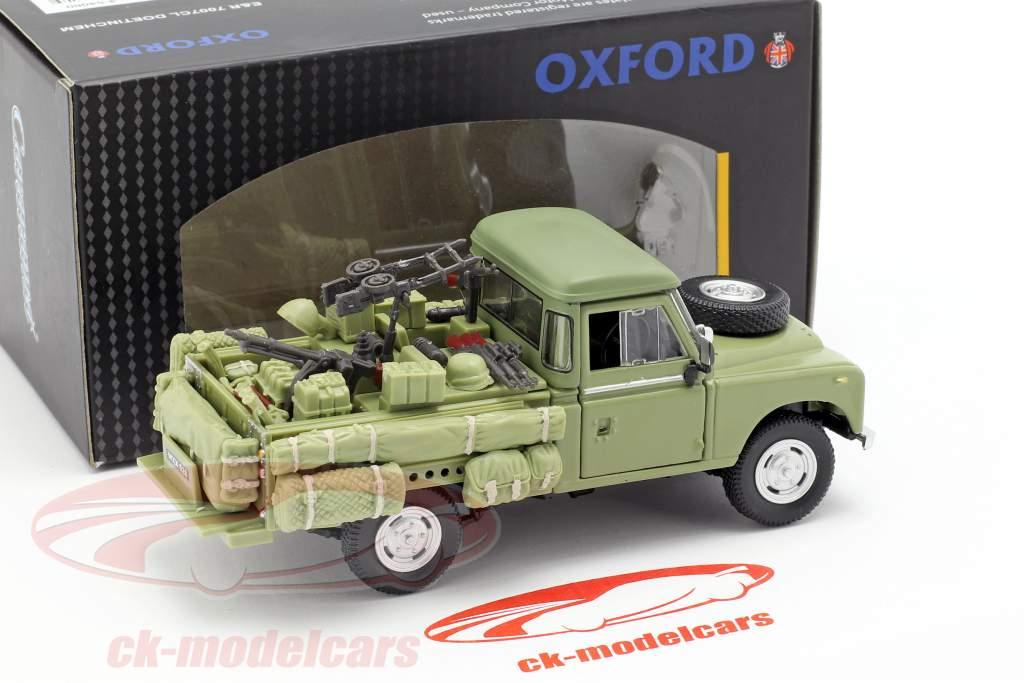 Land Rover Series III 109 Militärfahrzeug olivgrün 1:43 Cararama