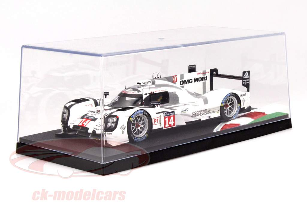 6 pieces showcases with racetrack and curb 1:18 Triple9