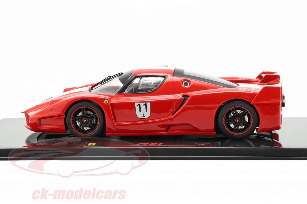 Ferrari FXX N° 11 rouge avec des bandes blanches 1:43 HotWheels Elite