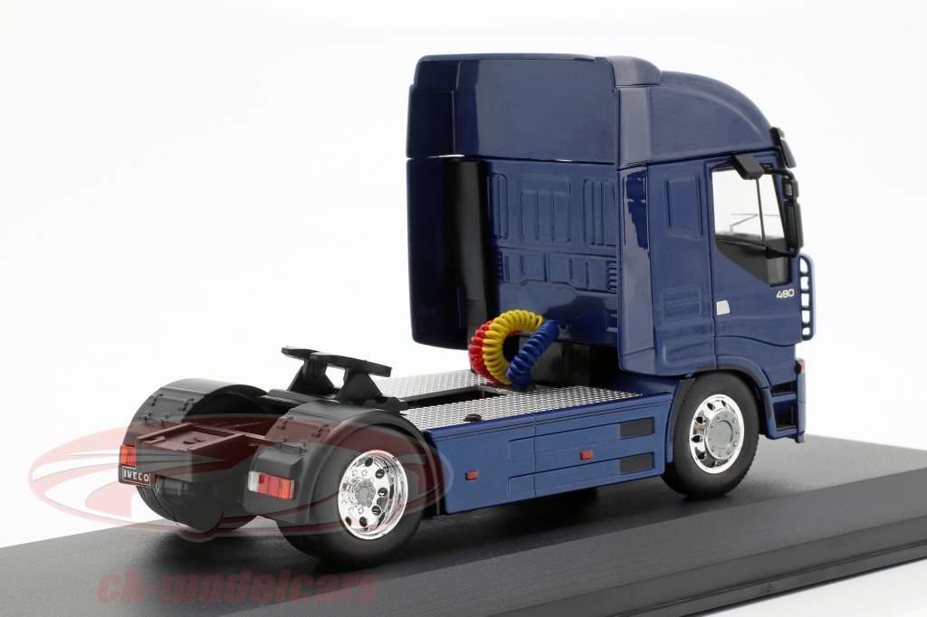 Iveco Stralis Sattelzugmaschine Baujahr 2012 blau metallic 1:43 Ixo