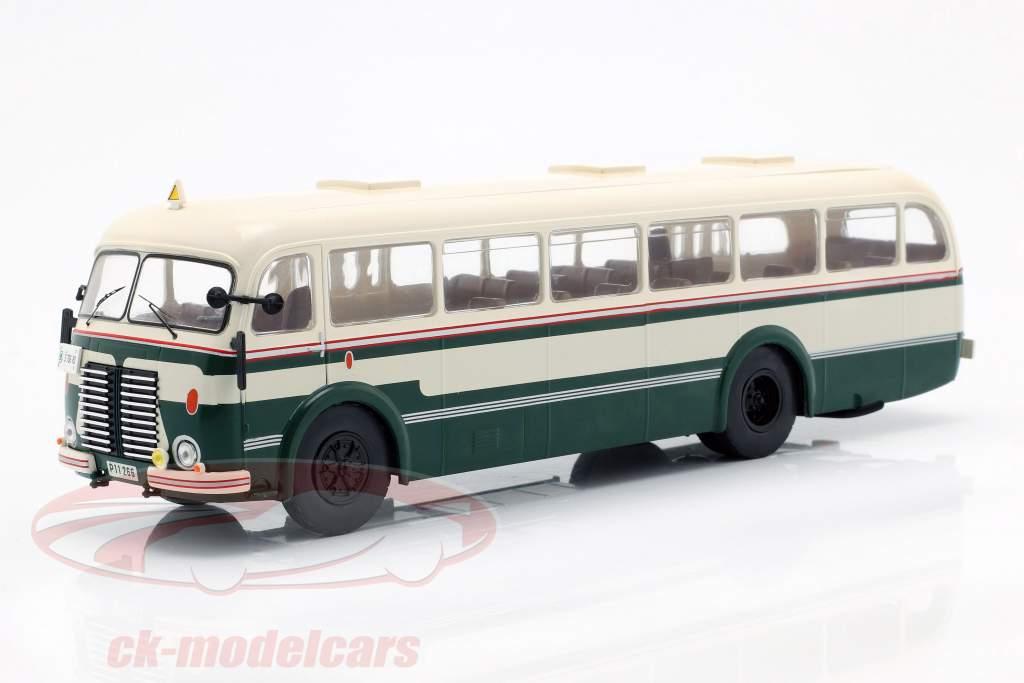 Skoda 706 RO autobus anno di costruzione 1947 verde / bianco 1:43 Ixo