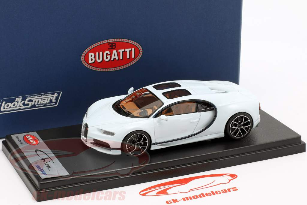 Bugatti Chiron Sky View Pebble Beach Version 2018 gletscherweiß 1:43 LookSmart