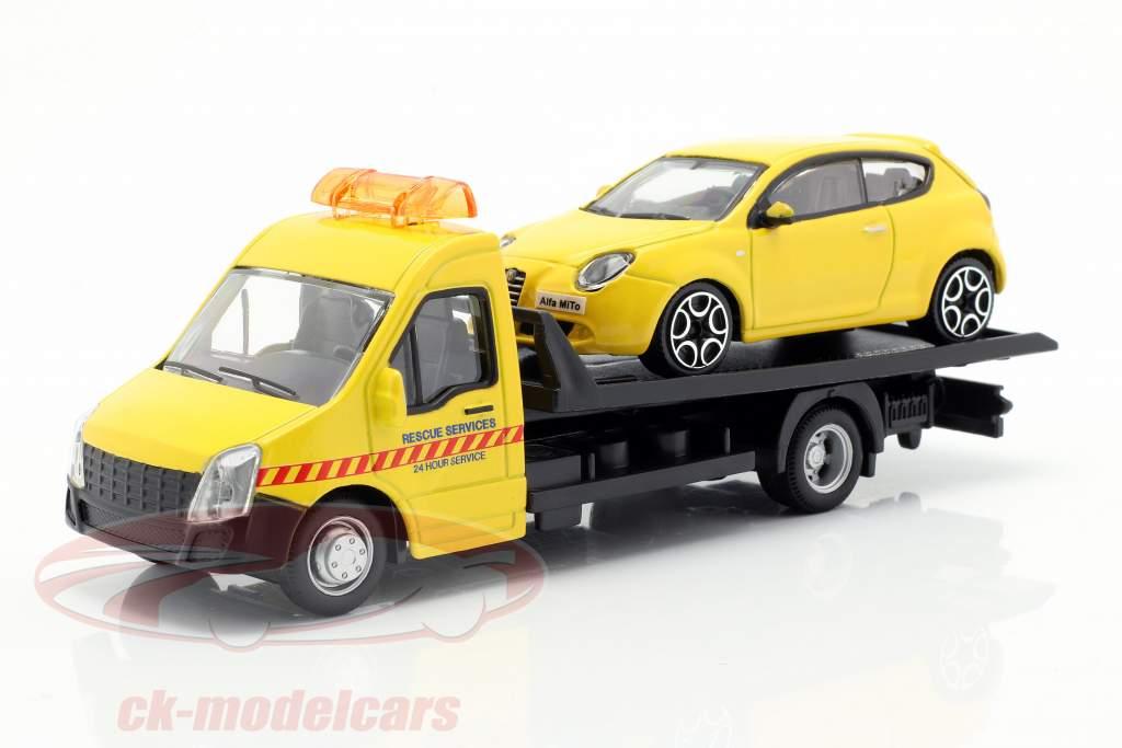 Alfa Romeo Mito mit Flatbed-Transporter gelb 1:43 Bburago