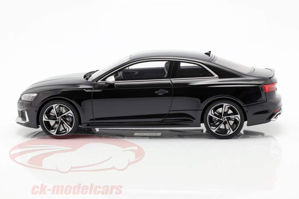 Audi RS5 ano de construção 2017 preto 1:18 GT-Spirit