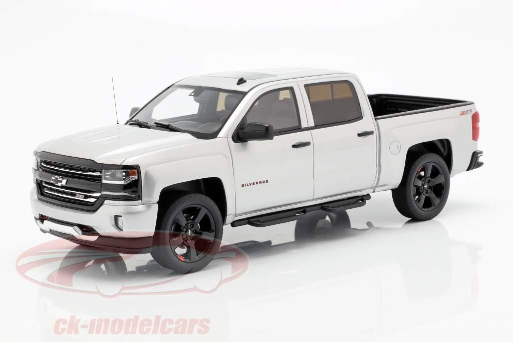 Chevrolet Silverado Pick-Up Redline Edition 2018 argent métallique 1:18 GT-Spirit