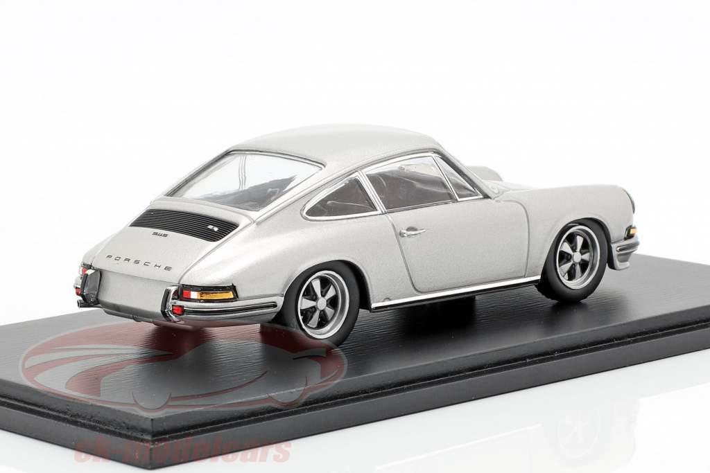 Porsche 911 2.4 année de construction 1973 gris argenté 1:43 Spark