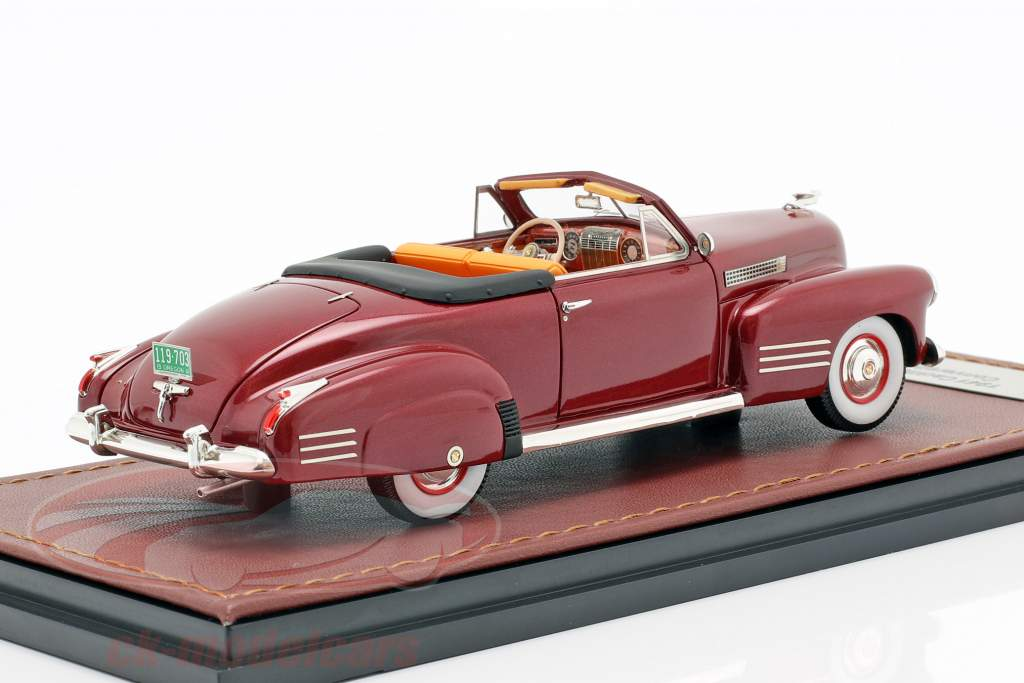Cadillac Series 62 Convertible Open Top year 1941 dark red 1:43 GLM