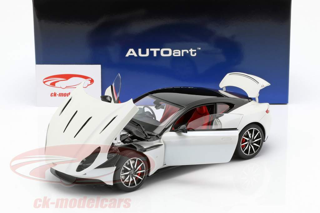 Aston Martin DB11 coupe año de construcción 2017 blanco metálico 1:18 AUTOart