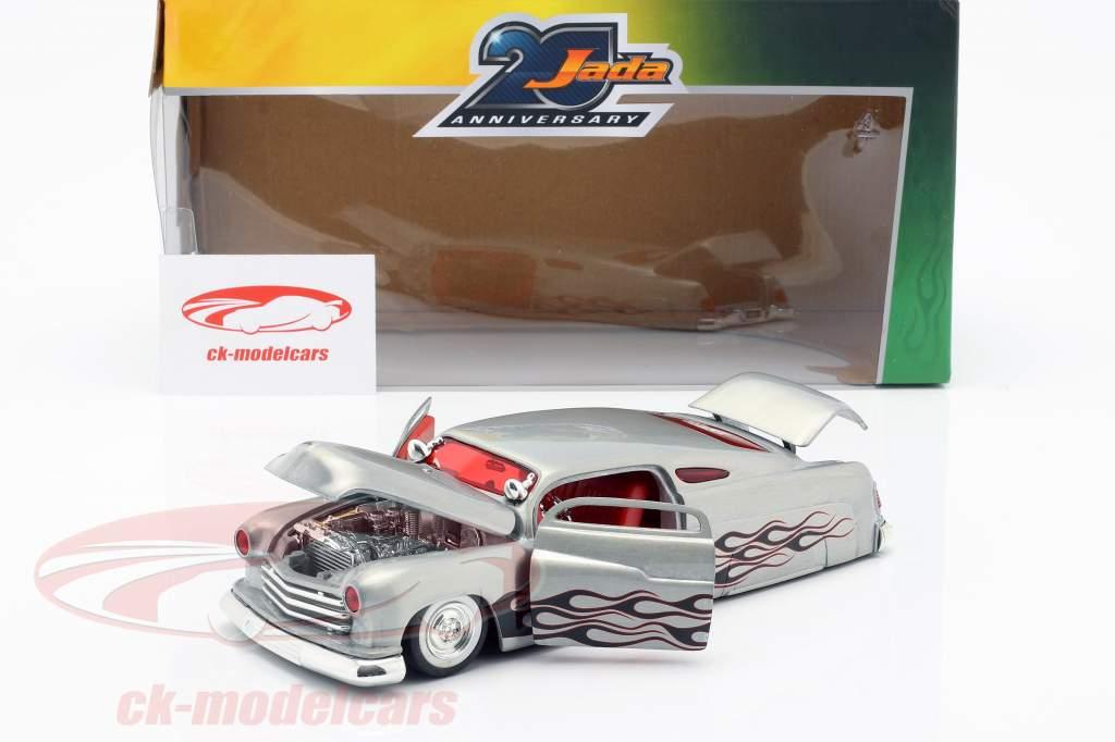 Mercury ano de construção 1951 prata 1:24 Jada Toys