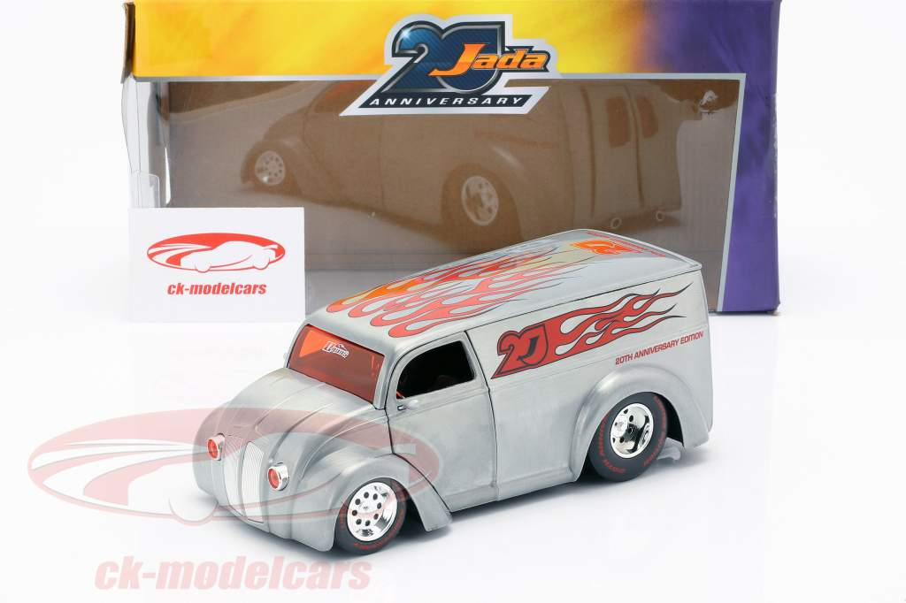 Div Cruizer prata / vermelho 1:24 Jada Toys