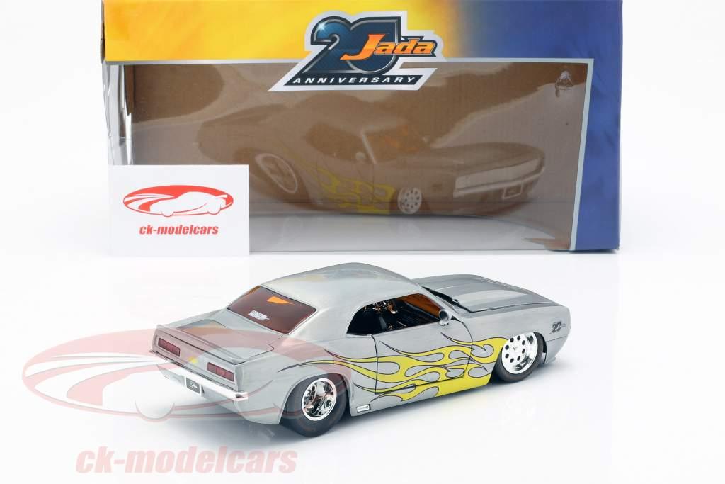 Chevrolet Camaro anno di costruzione 1969 argento / giallo 1:24 Jada Toys