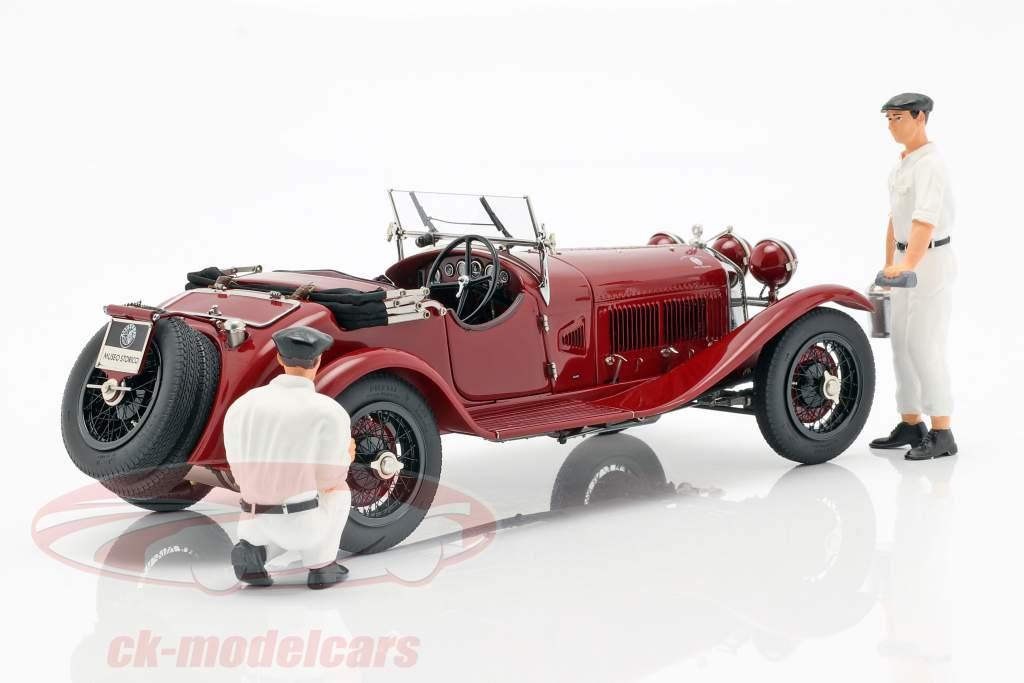 CMC Classic Garage incluyendo Alfa Romeo 6C 1750 GS año de construcción 1930 1:18 CMC