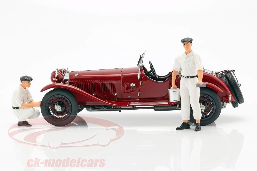CMC Classic Garage inklusive Alfa Romeo 6C 1750 GS Baujahr 1930 1:18 CMC