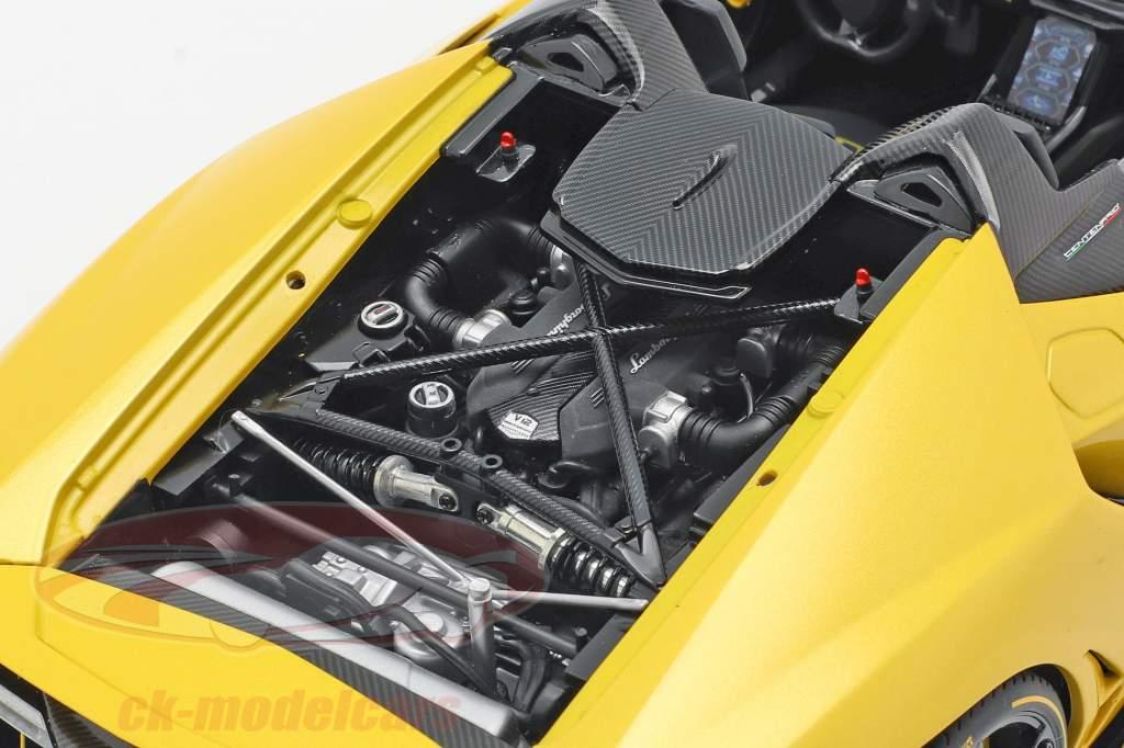 Lamborghini Centenario Roadster Baujahr 2016 perlgelb 1:18 AUTOart