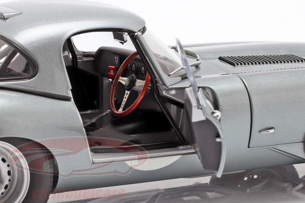 Jaguar Lightweight E-Type com removível topo ano de construção 2015 prata 1:18 AUTOart