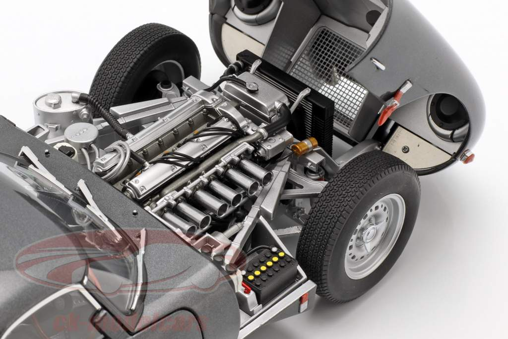 Jaguar Lightweight E-Type con removibile top anno di costruzione 2015 grigio scuro 1:18 AUTOart