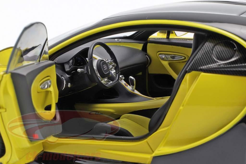 Bugatti Chiron Bouwjaar 2017 geel / zwart 1:18 AUTOart