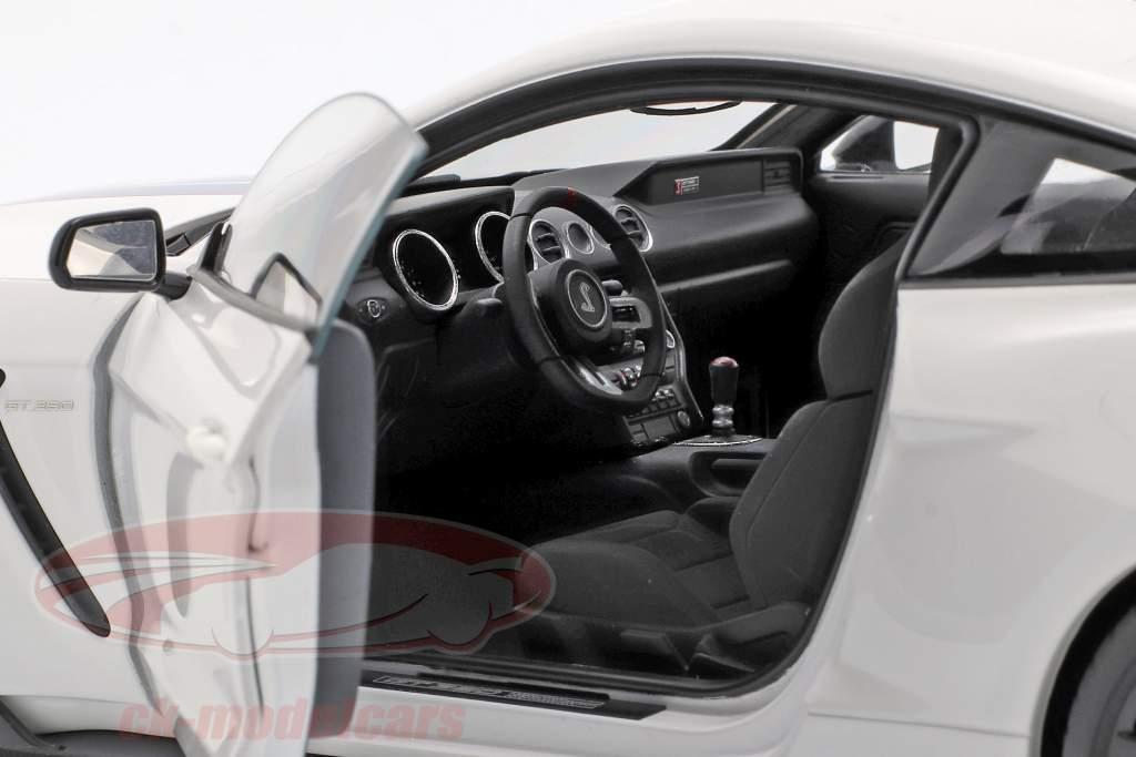 Ford Mustang Shelby GT350R Opførselsår 2017 oxford hvid / blå 1:18 AUTOart