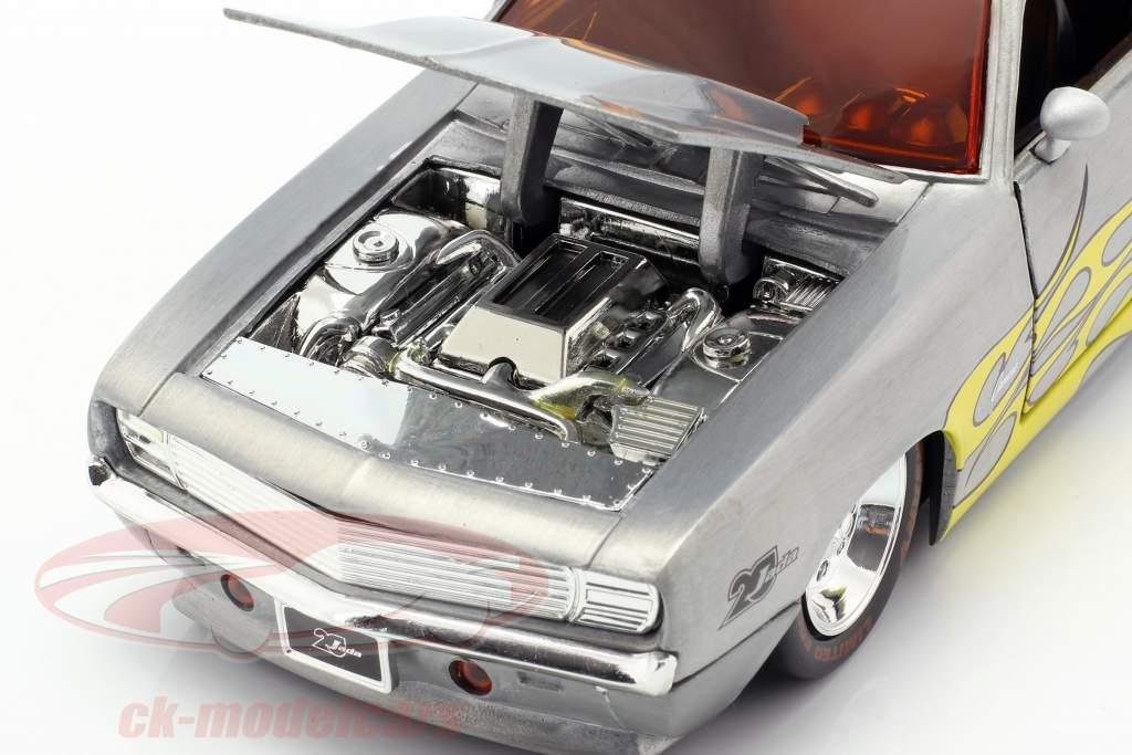 Chevrolet Camaro ano de construção 1969 prata / amarelo 1:24 Jada Toys