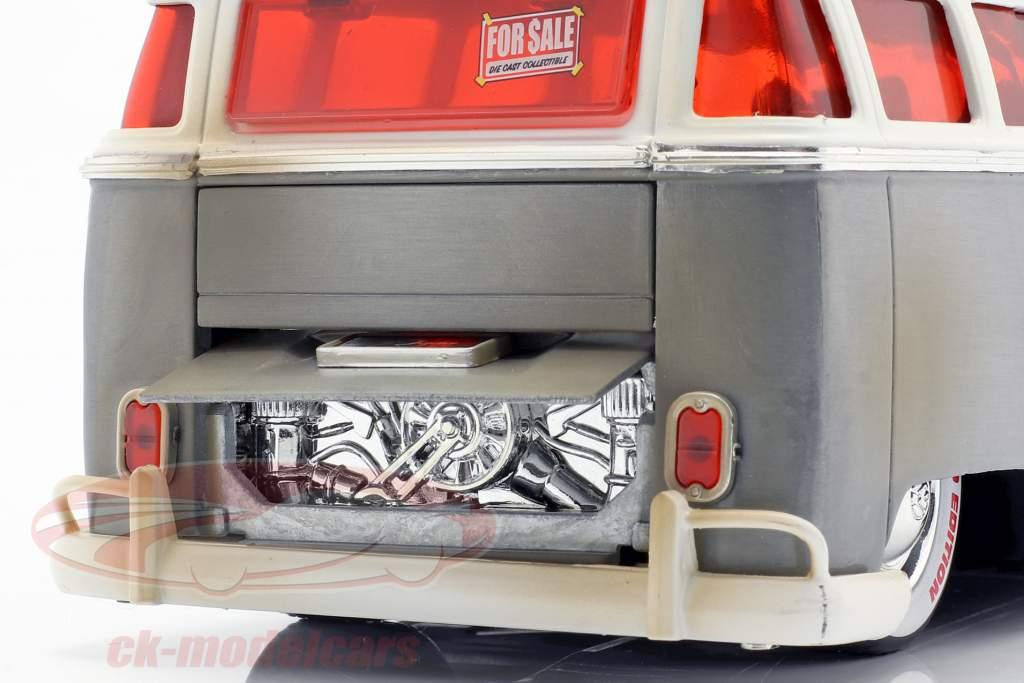 Volkswagen VW Bus Baujahr 1962 silber / weiß 1:24 Jada Toys