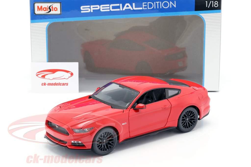 Ford Mustang Ano de construção 2015 vermelho 1:18 Maisto