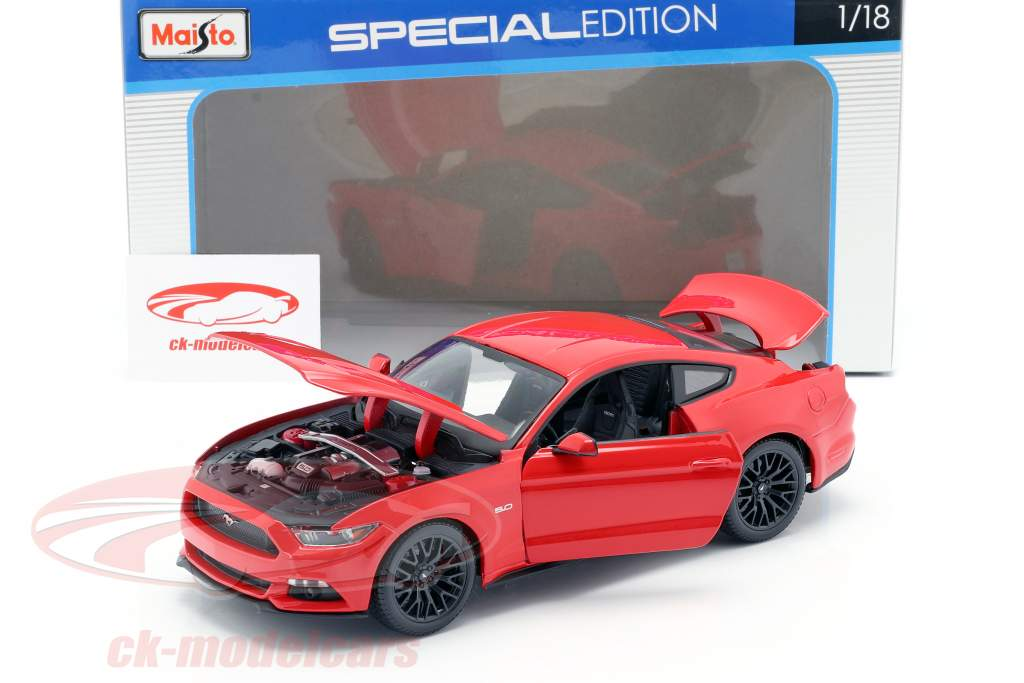 Ford Mustang Año de construcción 2015 rojo 1:18 Maisto
