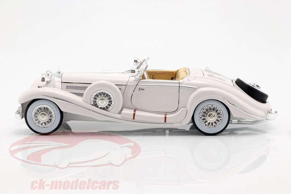 Mercedes Benz 500K Special Roadster Bj 1936 wit 1:18 Maisto