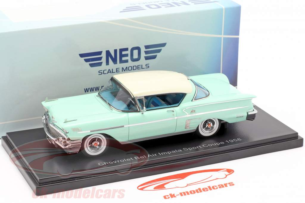 Chevrolet Bel Air Impala Sport coupe year 1958 light green / White 1:43 Neo