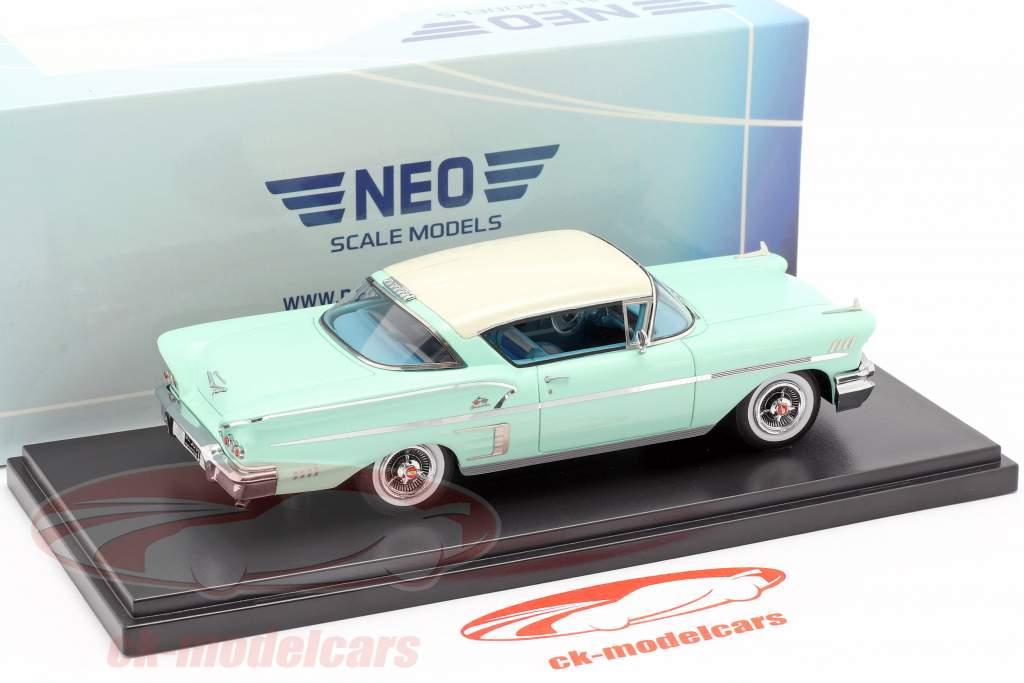 Chevrolet Bel Air Impala Sport coupe Bouwjaar 1958 helder groen / wit 1:43 Neo