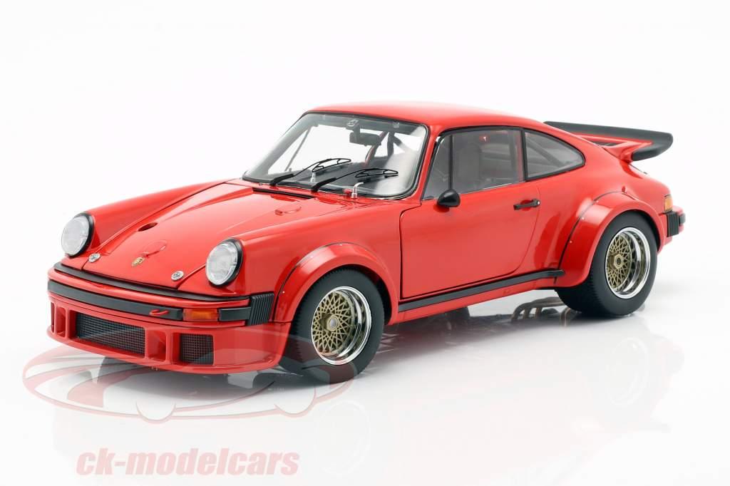 Porsche 934 year 1976 guards red 1:18 Schuco