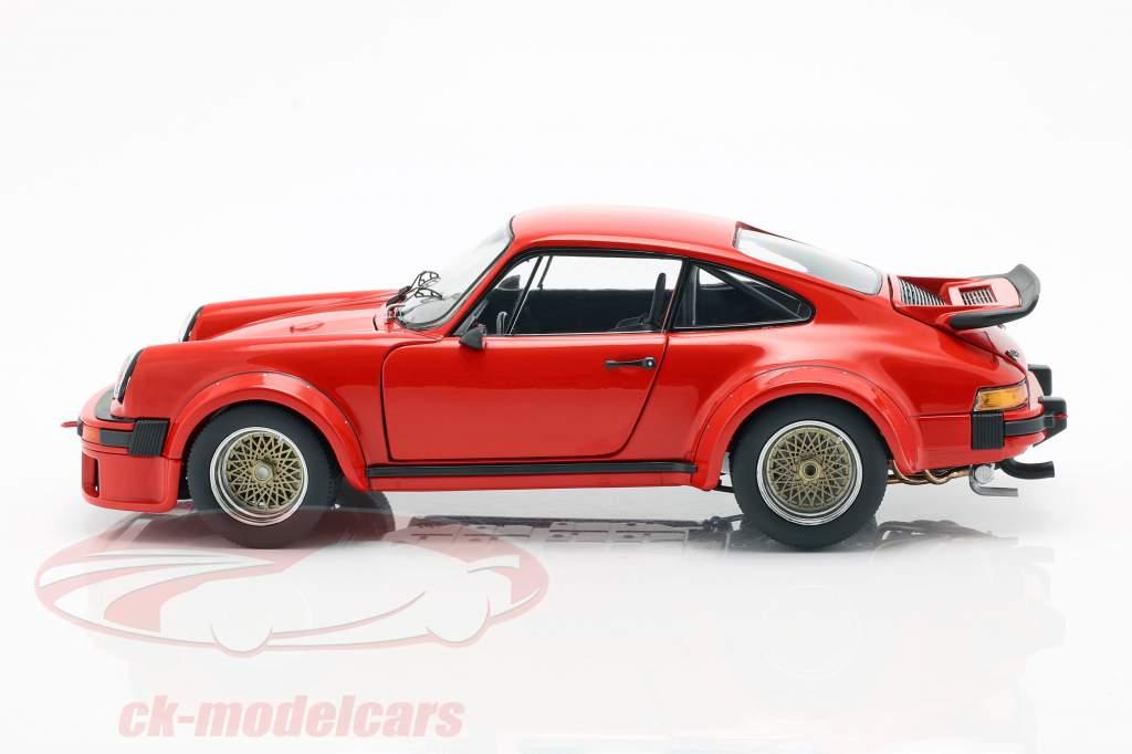 Porsche 934 Baujahr 1976 indischrot 1:18 Schuco