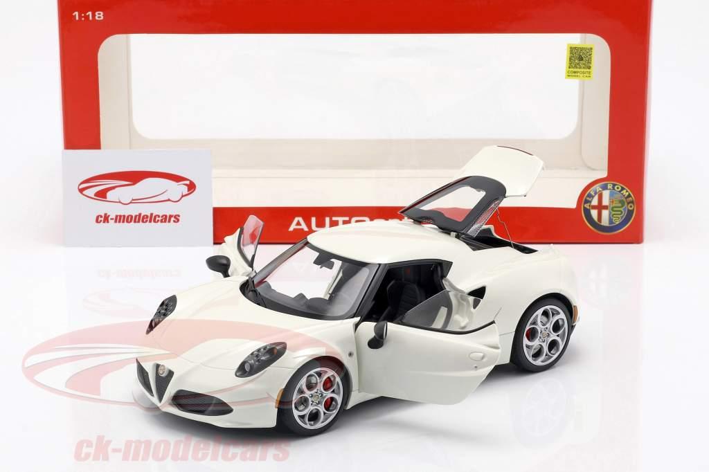 Alfa Romeo 4C anno 2013 crema bianco 1:18 AUTOart