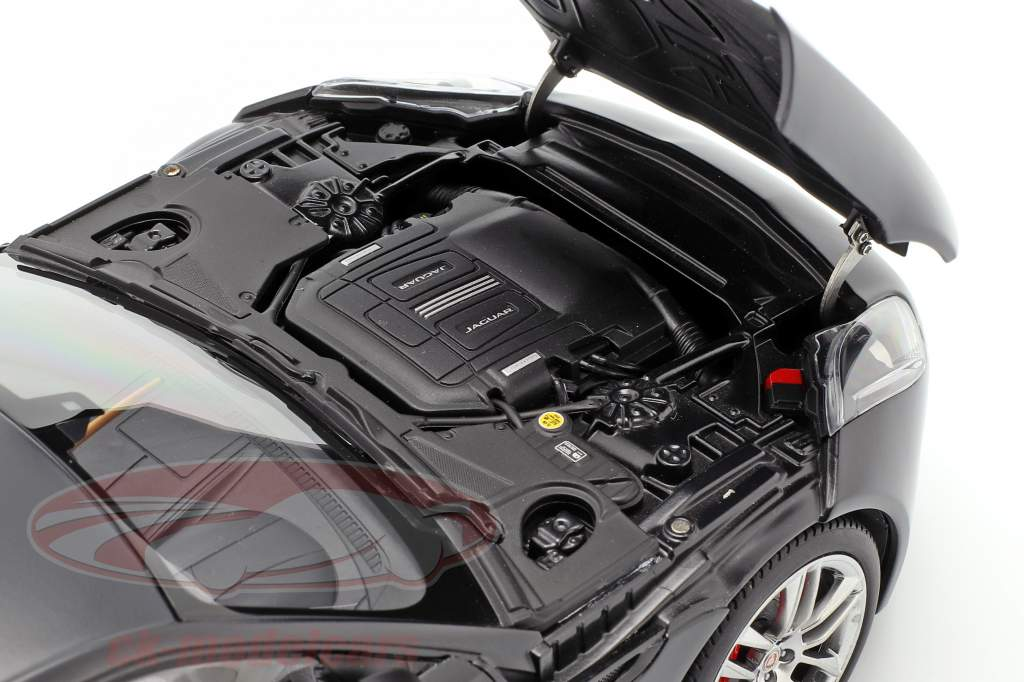 Jaguar F-Type R Coupe An 2015 mat noir 1:18 AUTOart