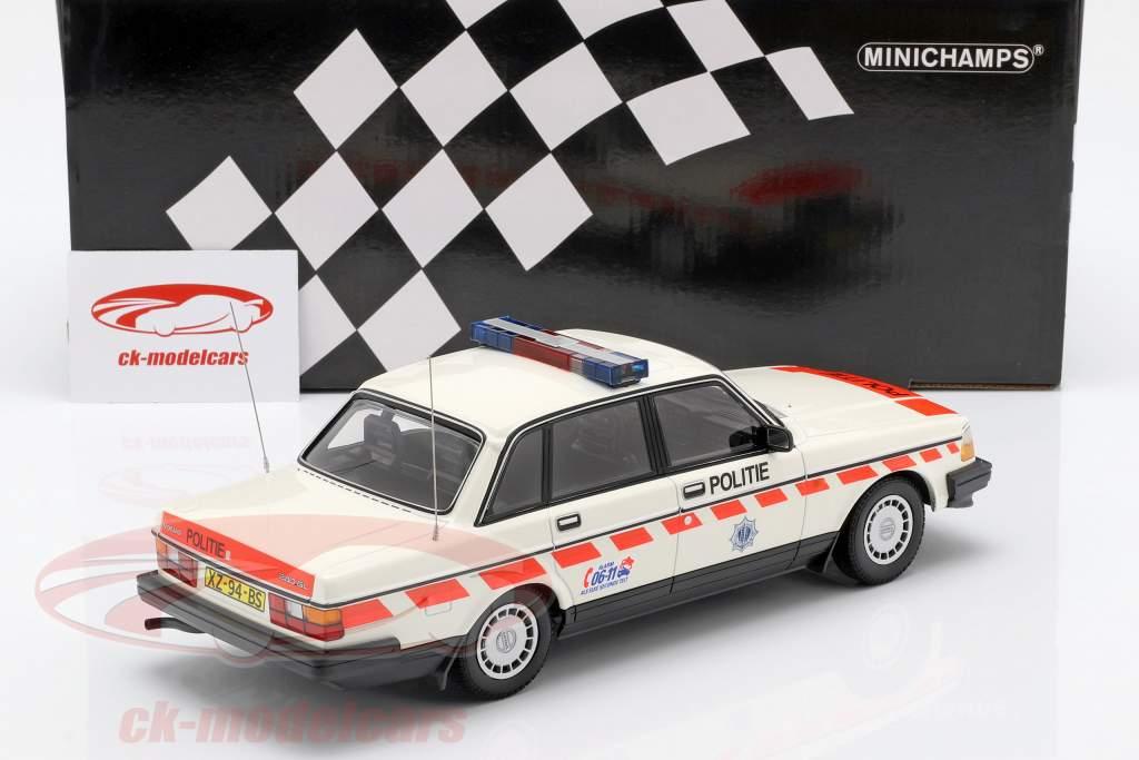 Volvo 240 GL police Pays-Bas année de construction 1986 blanc 1:18 Minichamps