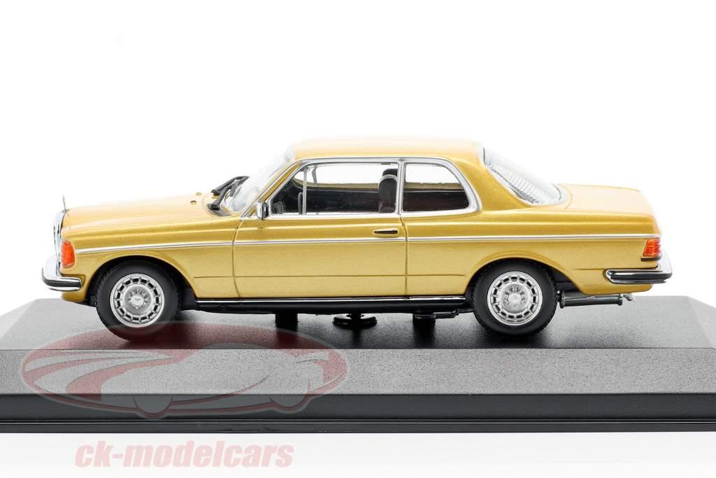 Mercedes-Benz 230CE (W123) anno di costruzione 1976 oro metallico 1:43 Minichamps