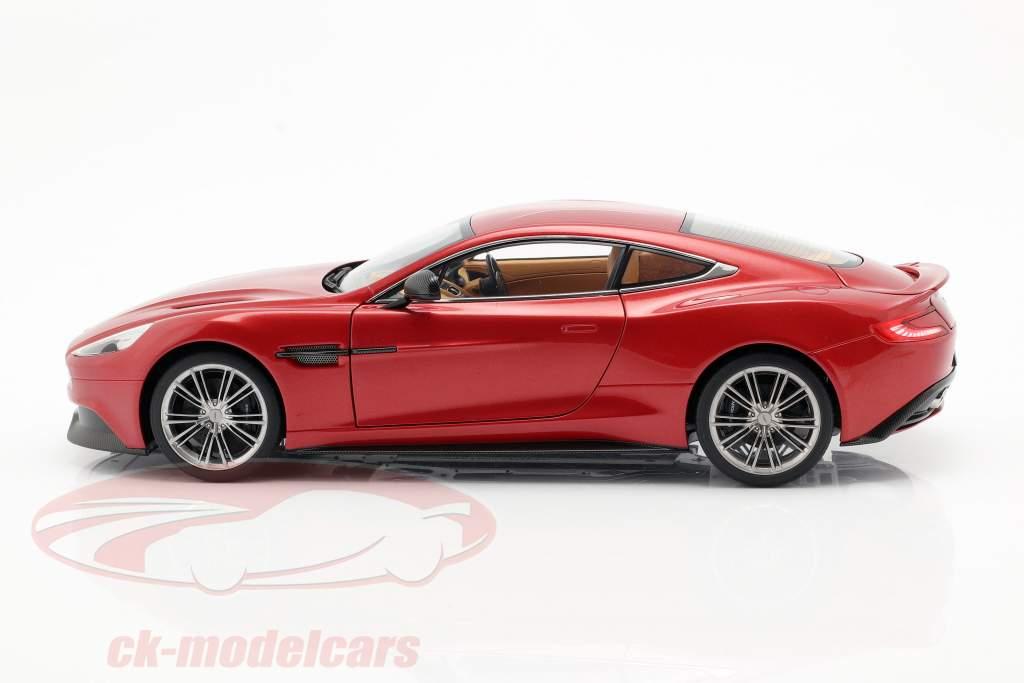 Aston Martin Vanquish år 2015 vulkan rød 1:18 AUTOart