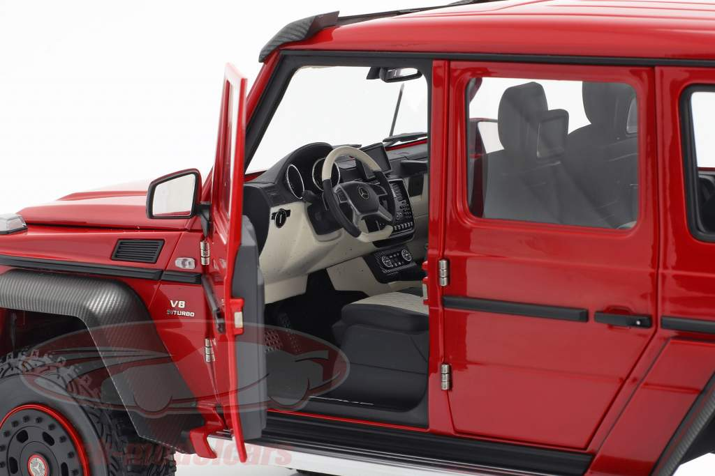 Mercedes-Benz G63 AMG 6x6 anno 2013 rosso 1:18 AUTOart