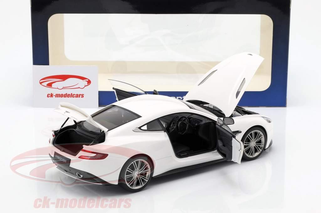 Aston Martin Vanquish jaar 2015 wit 1:18 AUTOart
