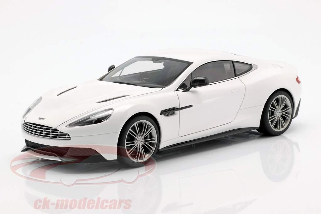 Aston Martin Vanquish Year 2015 white 1:18 AUTOart