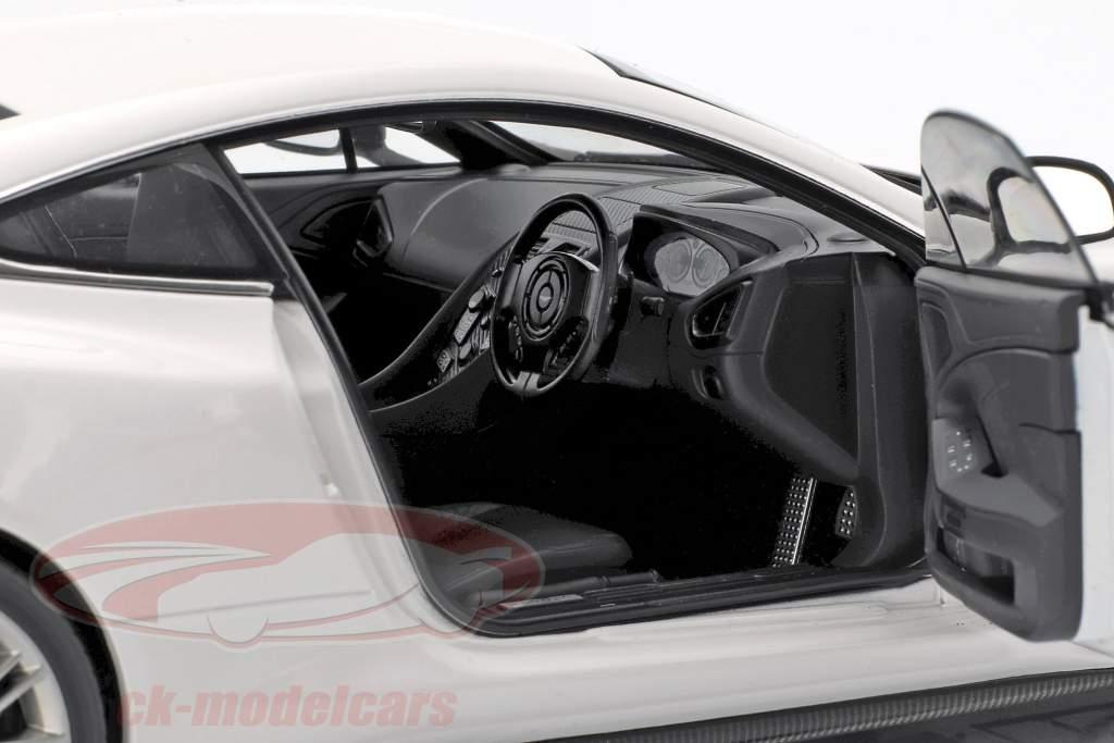 Aston Martin Vanquish anno 2015 bianco 1:18 AUTOart
