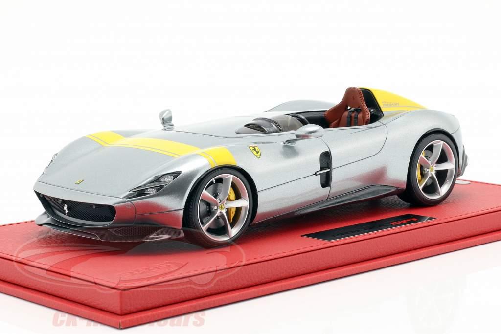 Ferrari Monza SP1 Paris bil show 2018 sølv / gul 1:18 BBR
