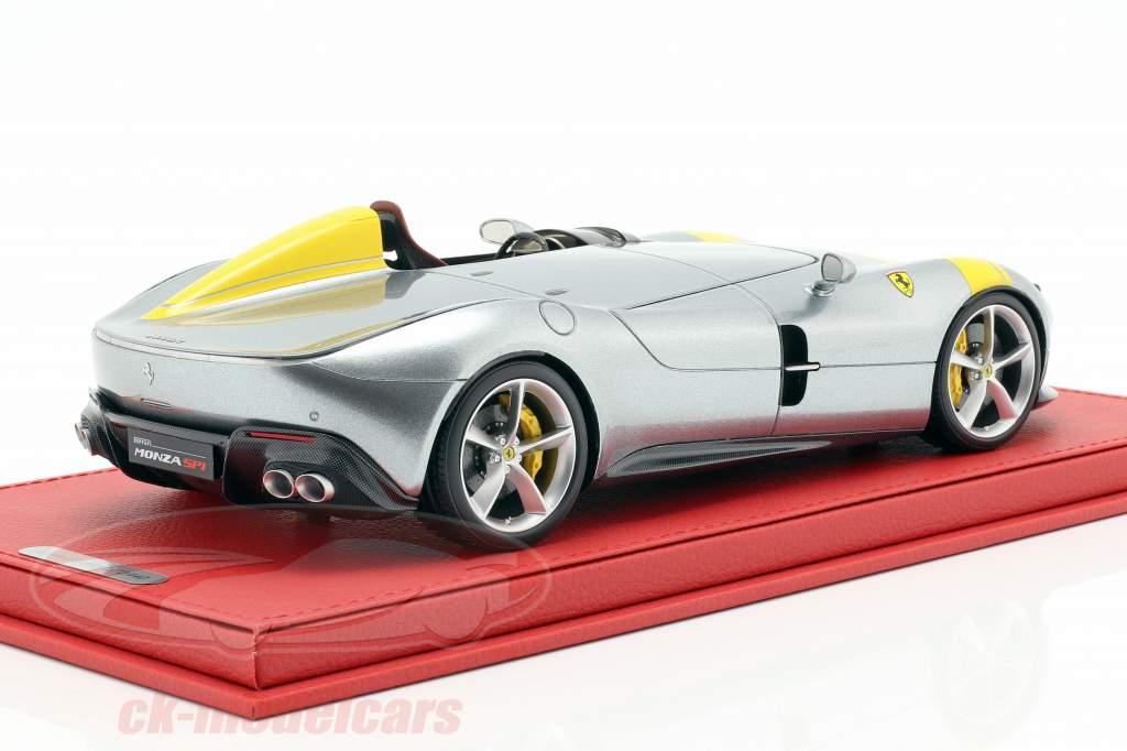 Ferrari Monza SP1 Paris carro espetáculo 2018 prata / amarelo 1:18 BBR