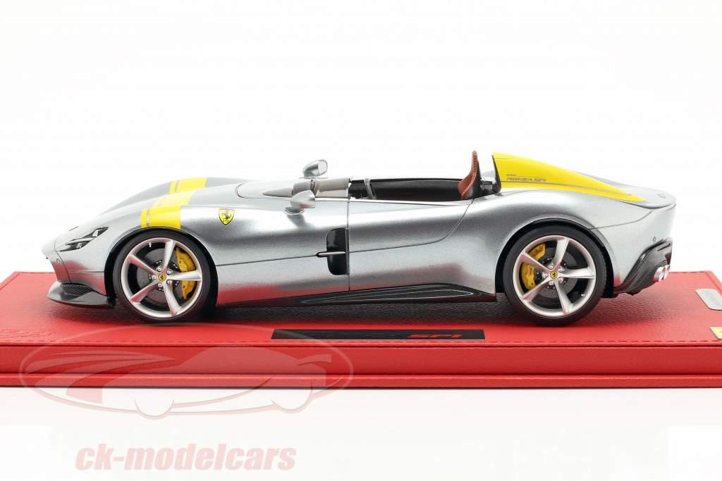 Ferrari Monza SP1 Paris voiture spectacle 2018 argent / jaune 1:18 BBR