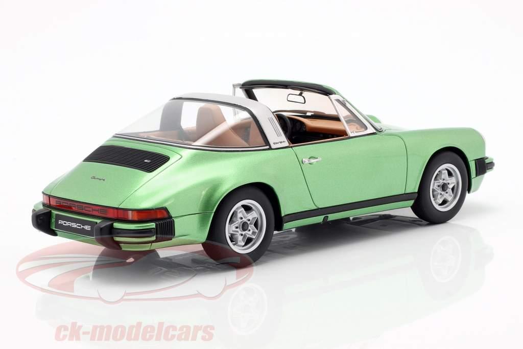 Porsche 911 S 2.7 Targa Opførselsår 1974 grøn metallisk 1:18 GT-SPIRIT